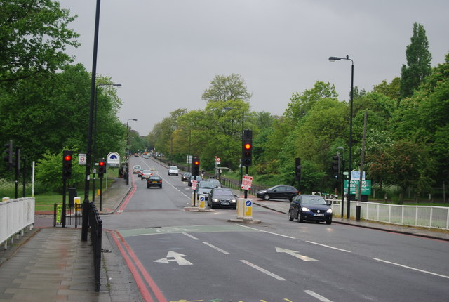 Traffic lights, Tooting Bec Rd (A214)