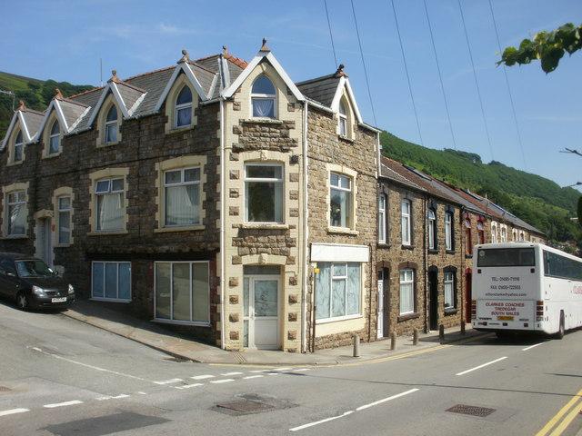 Cwm : corner of School Terrace and Cendl Terrace