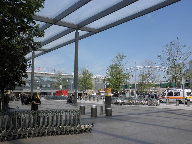 Forecourt, Terminal 3, Heathrow Airport