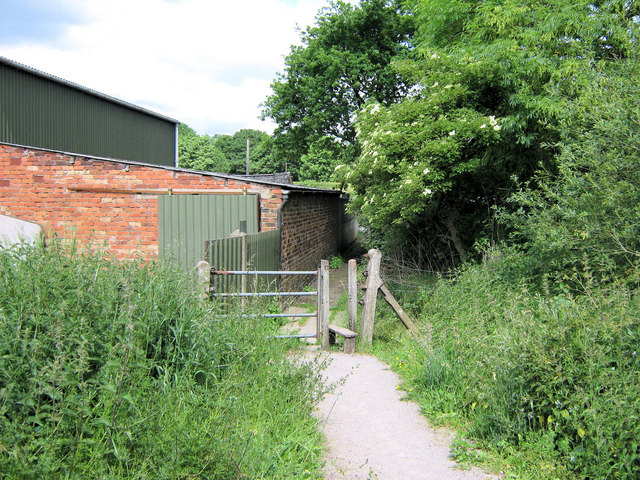 Footpath to Holly Lane