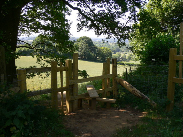 Stile on footpath south of the Chantries