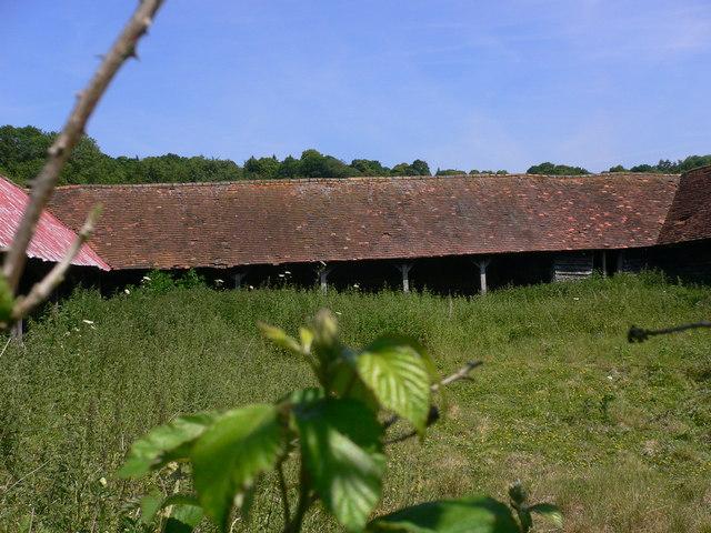 U shaped barn near Shalford (2)