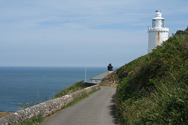 Stokenham: road to the lighthouse
