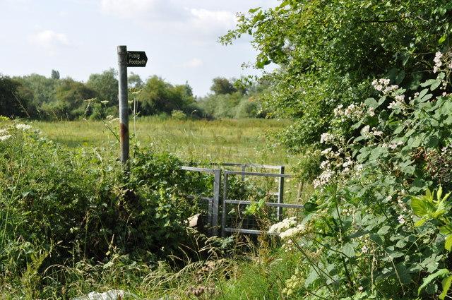 Footpath sign on Sandhurst Road
