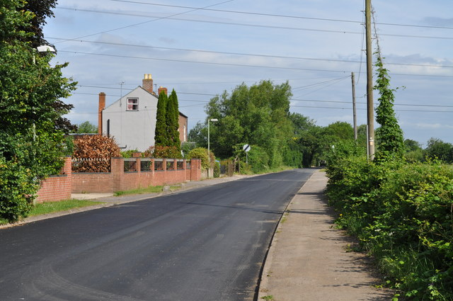 Looking along Sandhurst Road