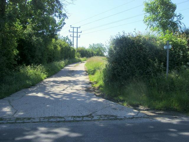 Footpath to Thornborough Mill