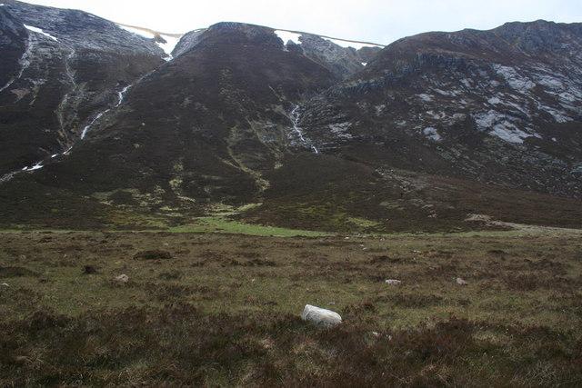 Glen Geusachan avalanche track