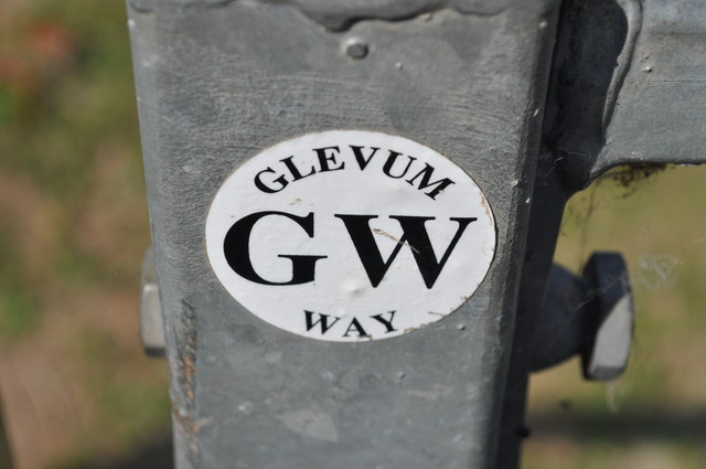 Footpath marker for the Gloucestershire Way