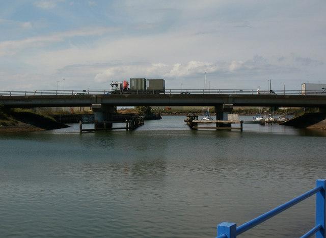 A180 Bridge over Alexandra Dock