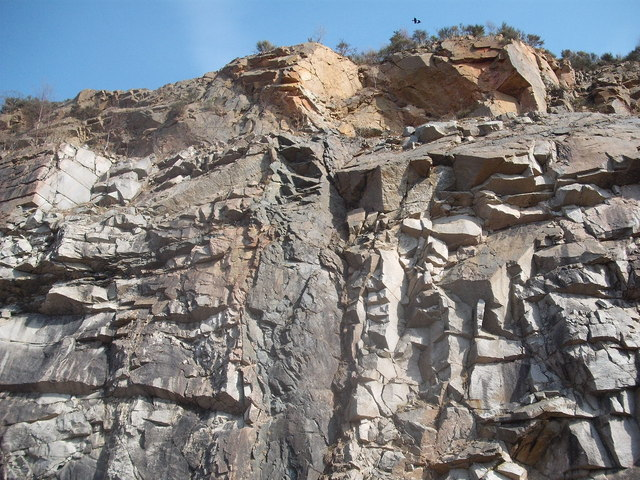 Microdiorite Dyke in the southeast wall of Kemnay Quarry