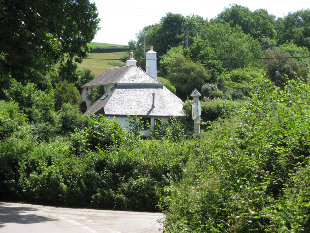 Orleycombe Cottage and Orlycombe Cross