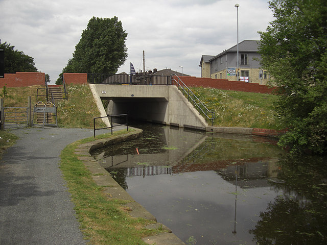 Rochdale Canal, Firgrove