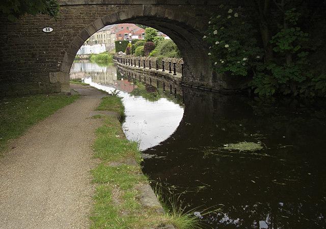 Rochdale Canal, Clegg Hall Bridge