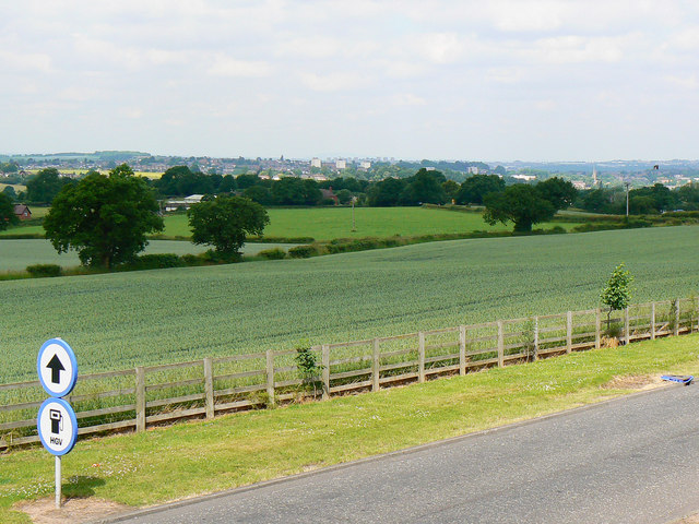Farmland west of Frankley Services, M5