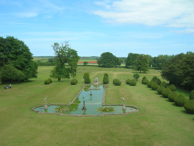 Large ornamental pond, Burton Agnes Hall