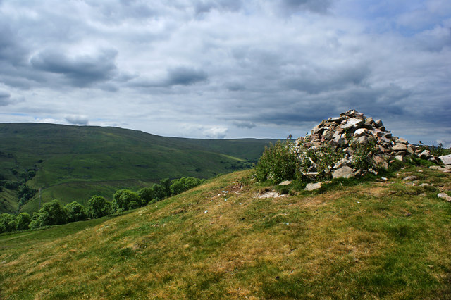 The cairn above Todd's Wood - looking West