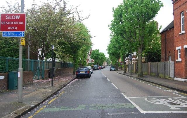 Ravenslea off Nightingale Lane