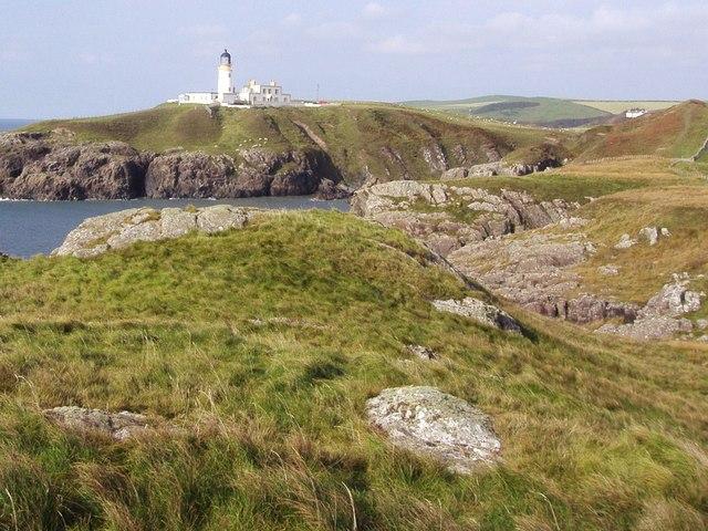 On the cliffs south of Killantringan Lighthouse