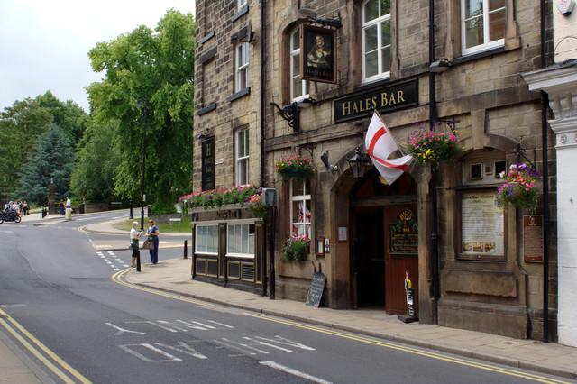 Hale's Bar, Crescent Road