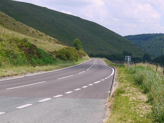 The A44 under Llechwedd Hirgoed