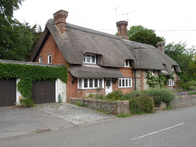 Crawley - Thatched Cottage