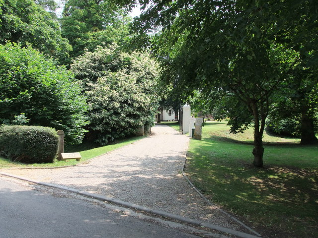 Gate entrance to Twinstead Hall, in Church Road