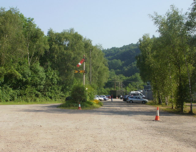 Norchard : Semaphore signal in a car park