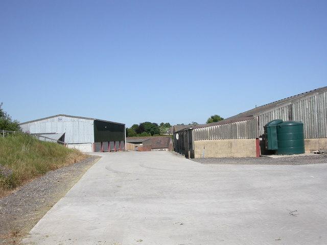 Sixpenny Handley, farm buildings