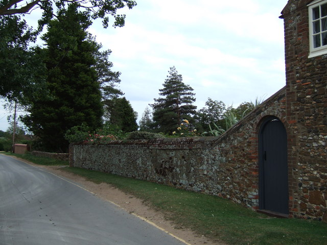 Traditional garden wall, Holme Next The Sea