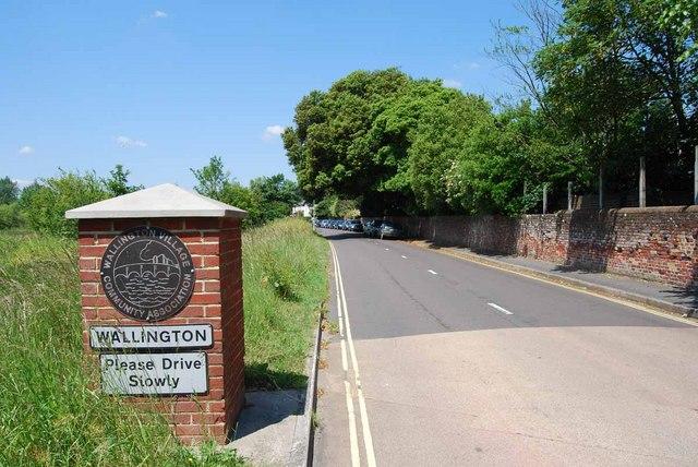 Village sign in Wallington Shore Road