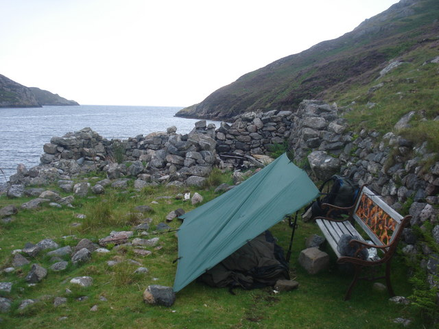Bivy bench on Loch Clash strand