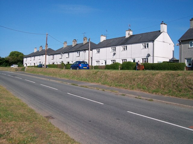 Local authority built houses in Lon Gerddi, Edern
