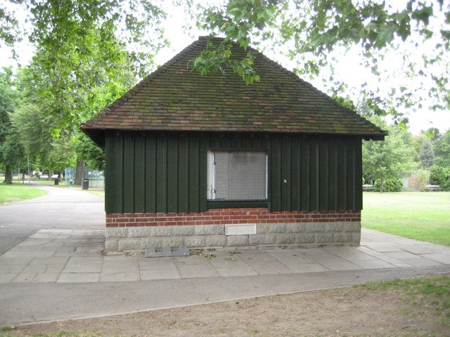 Staines: Lammas Recreation Ground kiosk