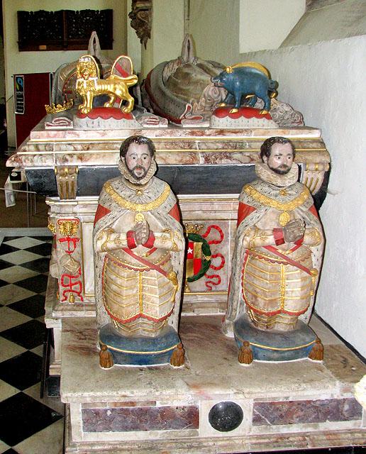 St Michael's church in Framlingham - the Surrey tomb