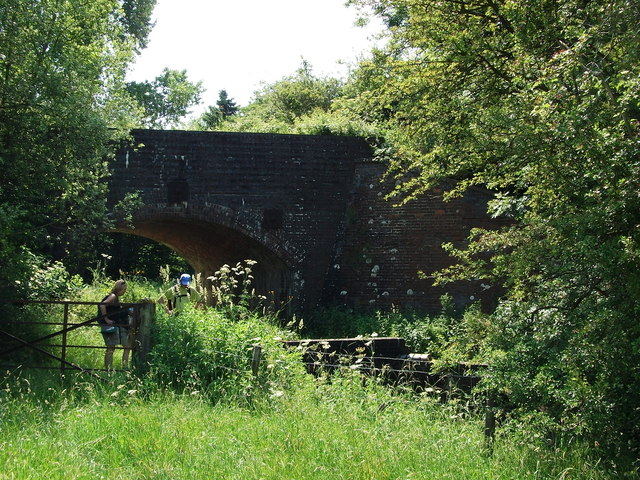 Old railway bridge near Kineton sewage works
