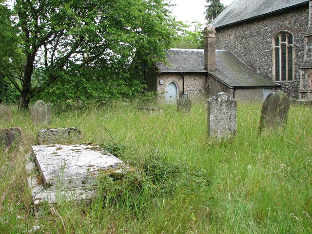 St Mary's church in Ufford - churchyard