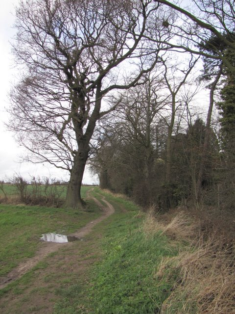 Public footpath across farmland connecting Quorn with Woodthorpe