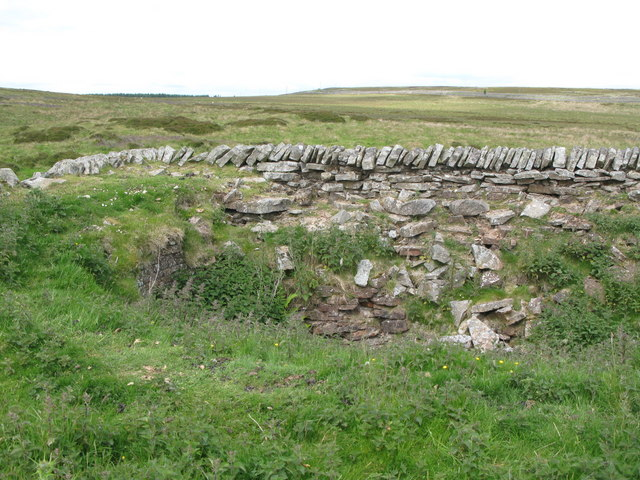 The top of the lime kiln below Dykerow Fell