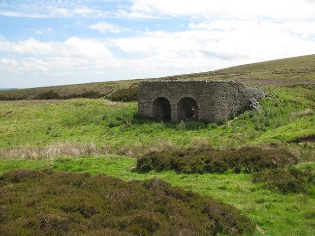 Lime kiln below Dykerow Fell (4)