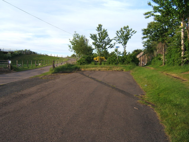Minor road near Letham Shank