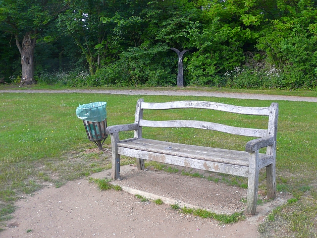 Bench and cycleway milepost, Balmore Walk