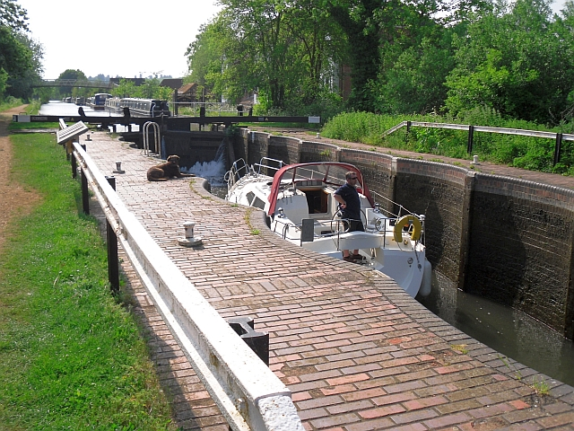Boat in Aldermaston Lock