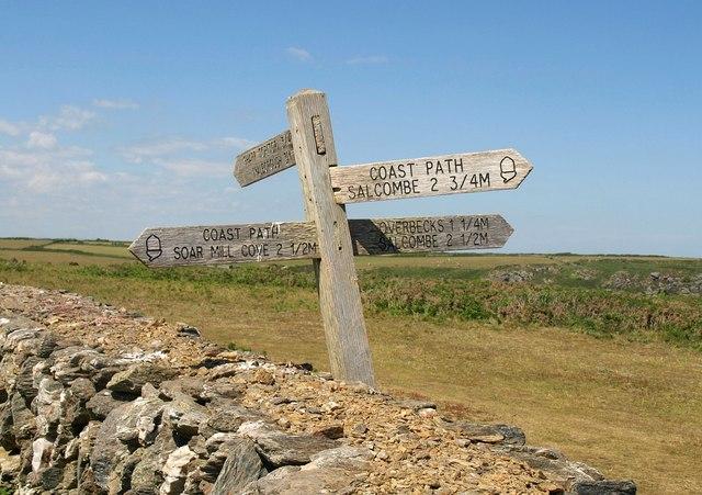 Footpath sign near Bolt Head