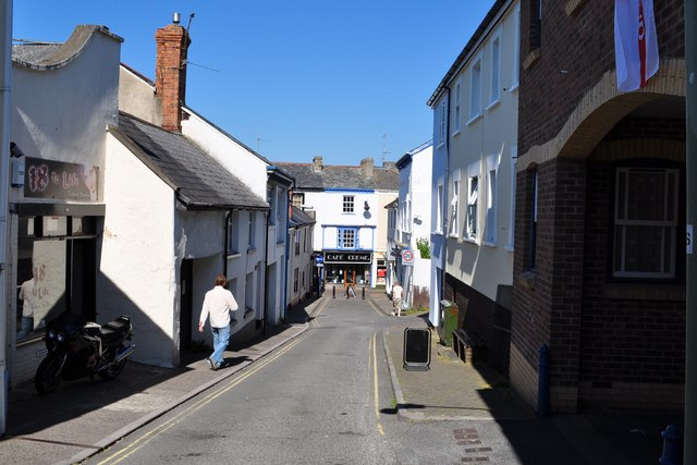 Lower Gunstone approaching Mill Street