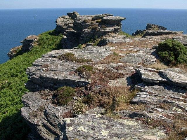Rocks above Bolt Head
