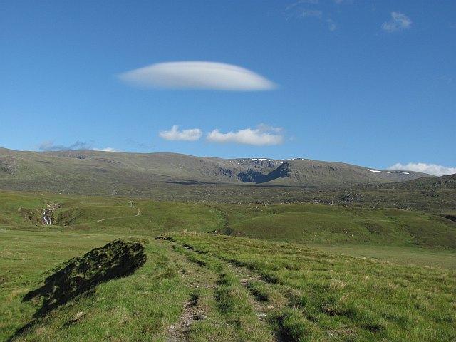 Lenticular cloud, Creag Meagaidh