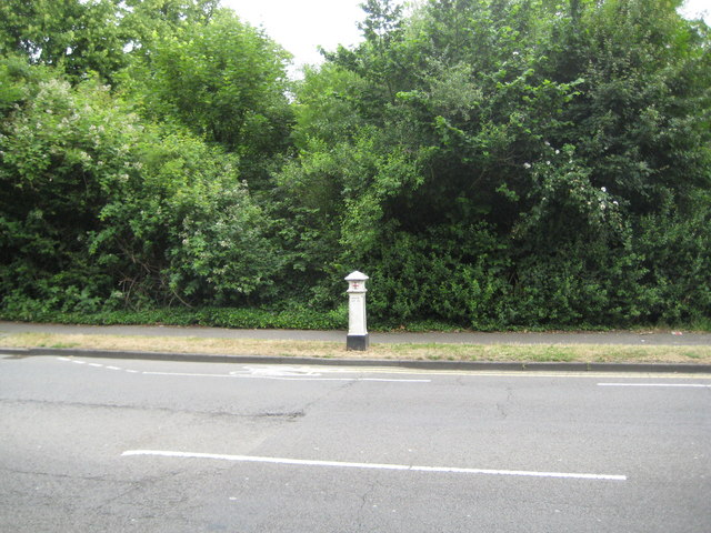 Staines: Wraysbury Road Coal Tax Post
