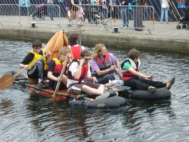 Union Canal Raft Race competitors, Edinburgh Quay