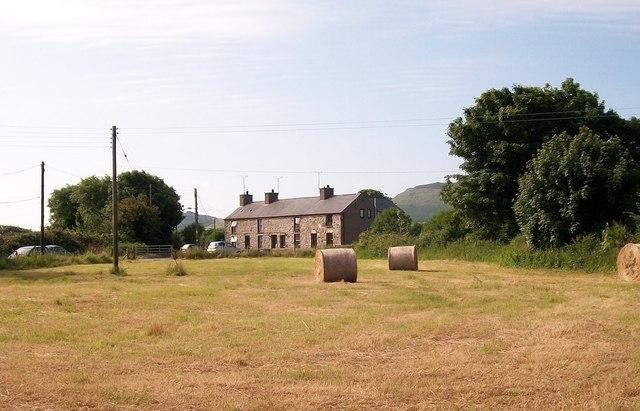 Terraced cottages near Ysgol Gynradd Edern school