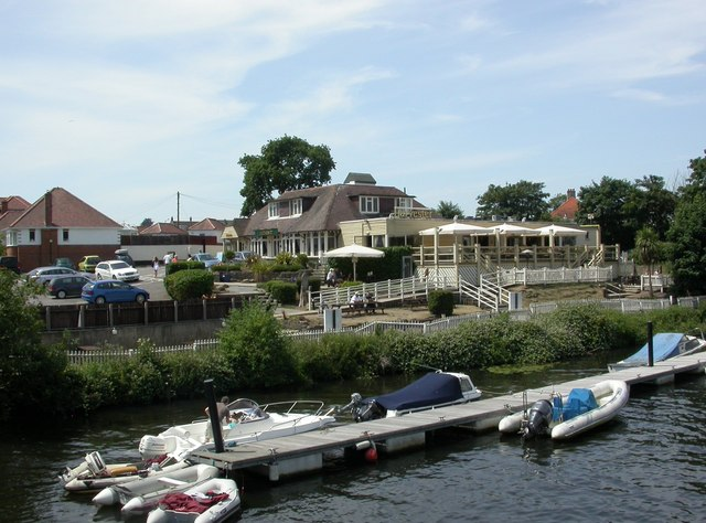 Tuckton, Riverside Inn